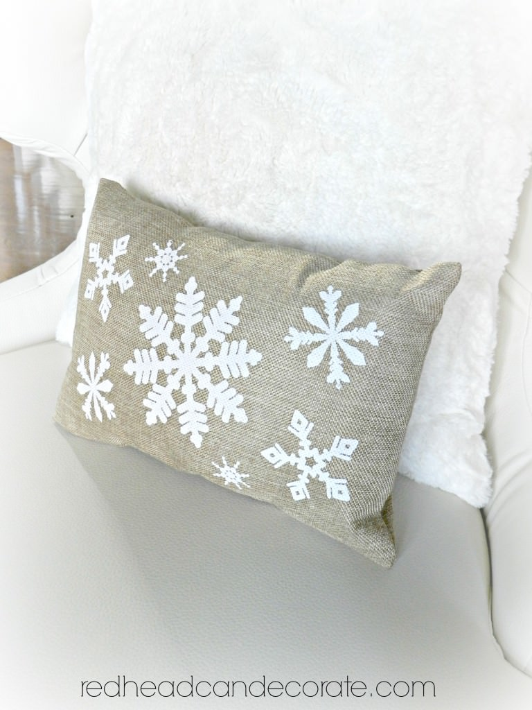 redheadcandecorate.com Free Giveaway Burlap Pillow