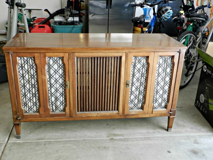 Judyu0027s Stereo Console · Stereo Console Makeover Idea