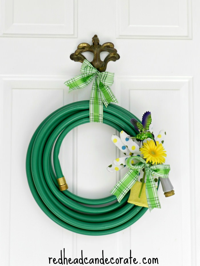 Hose Wreath by redheadcandecorate.com