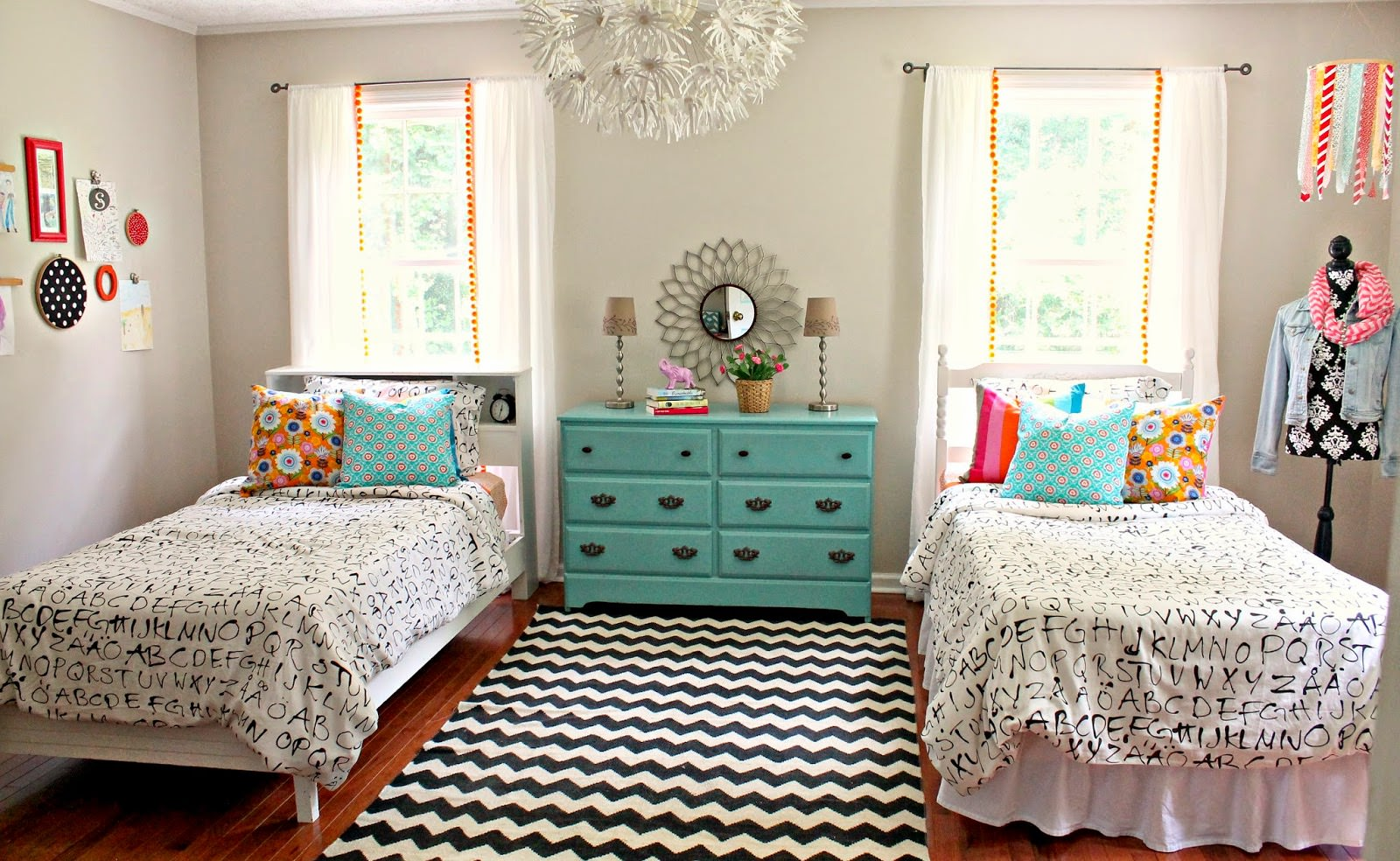 Inspiration monday linky party your homebased mom - Special cool girls room ...