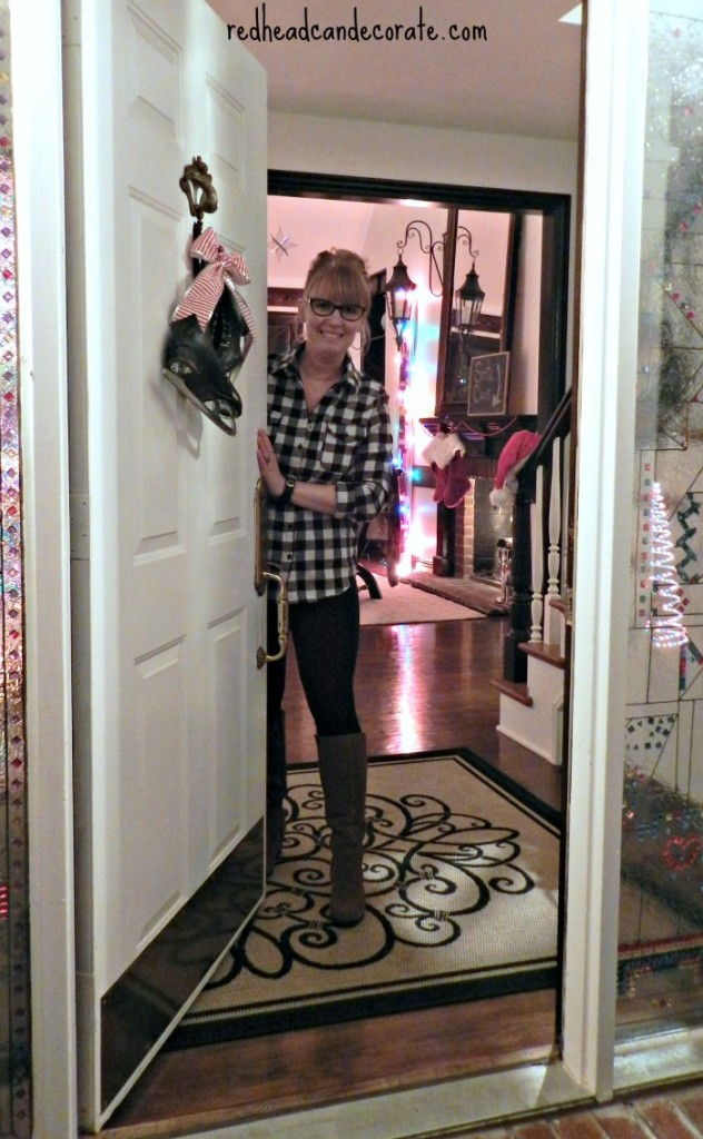 Redhead Can Decorate Cristmas 2014