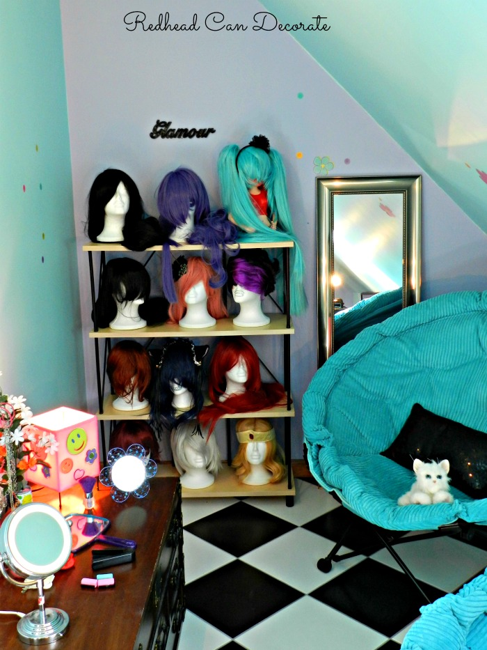 Teen salon hang out redhead can decorate - Salon design for small spaces decor ...