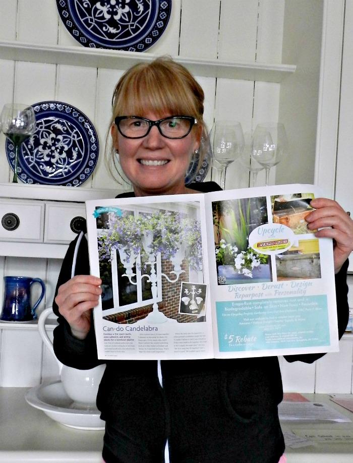 Julie w magazine