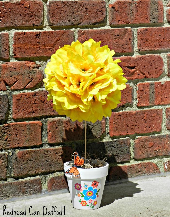 Daffodil Centerpiece from Foam Ball