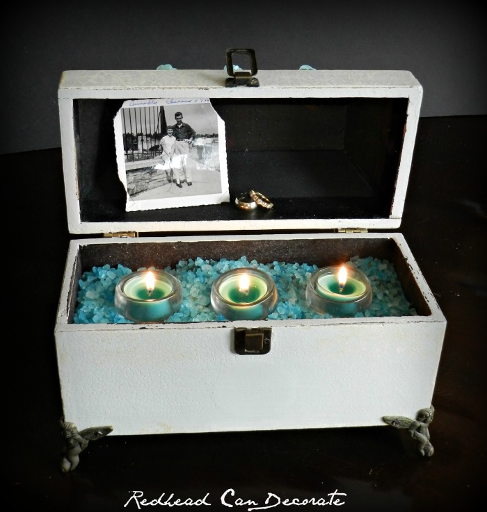 Turn any gift set box into a pretty candle.