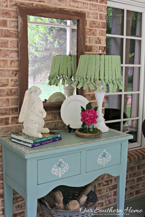 No Sew Lamp Shade With Outdoor Fabric Is A Simple Way To Add Home Decor To