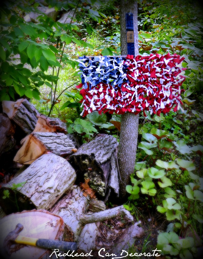 Turn a grill grate into an American flag with t-shirt & jean scraps!
