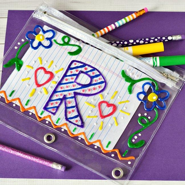 DIY-Zipper-Pencil-Pouch