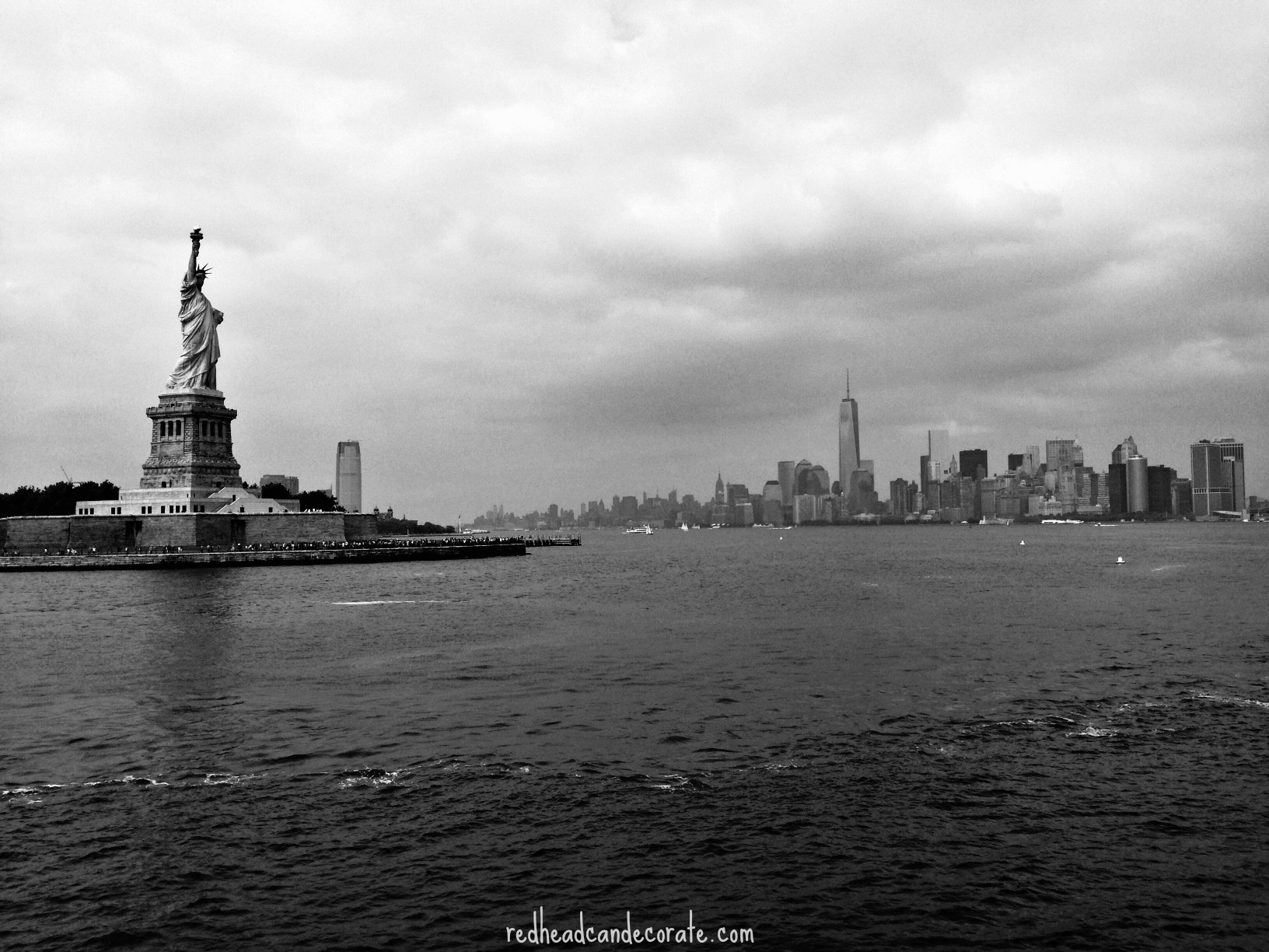 statue-of-liberty-cloudy-day-black-and-white