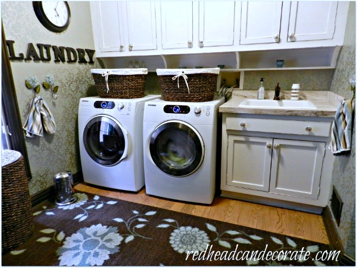 white-laundrymud-room