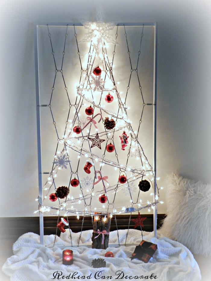 crib-mattress-spring-turned-christmas-tree