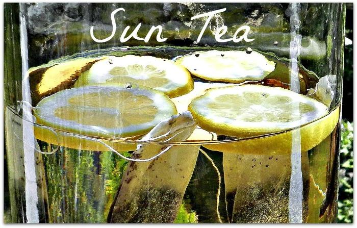 Very simple sun tea recipe from redheadcandecorate.com.