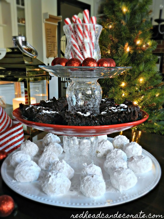"""Mom transforms 3 dollar store plates into this amazing """"Dollar Store Christmas 3-Tier Tray"""" for $6.00! The final result is stunning."""