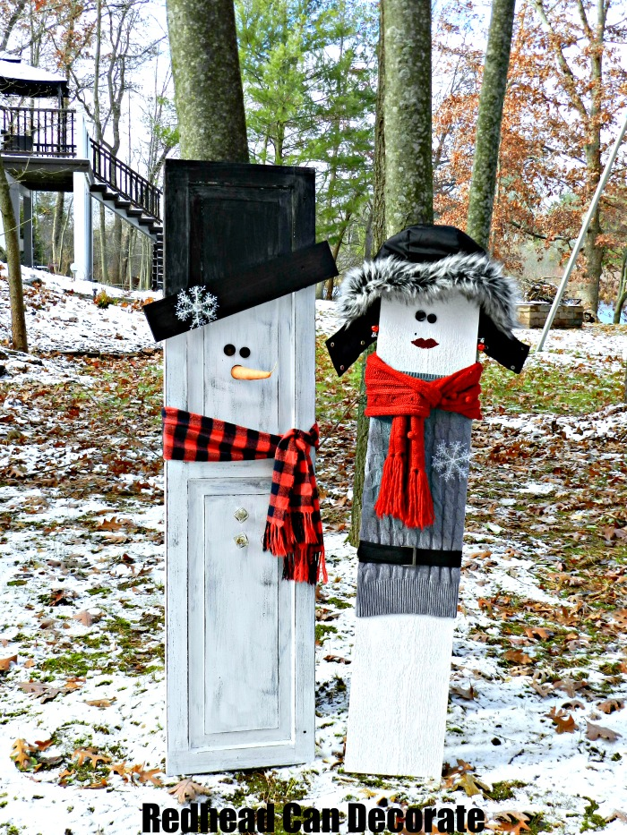 What a cute idea to use an old shutter or scrap wood to make a wood snowman couple for your front yard--->Thrifty Style Snowman Lovers