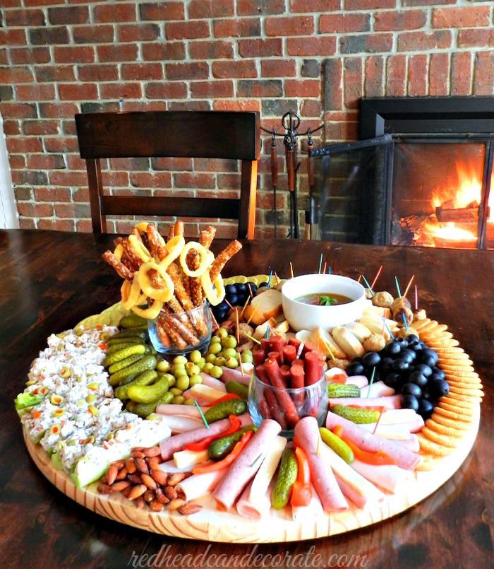 This dollar store appetizer board is absolutely genius! This would be perfect for the holidays, Christmas, New Year's Eve!