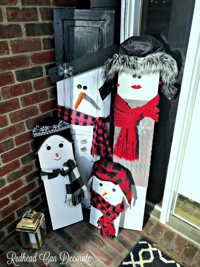 This thrifty DIY Wood Snowman Family sounds so simple to make and you can personalize it for your family!